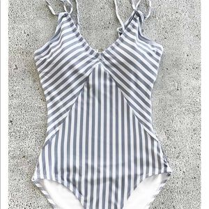 Cupshe Swim - Cupshe stripped swimsuit